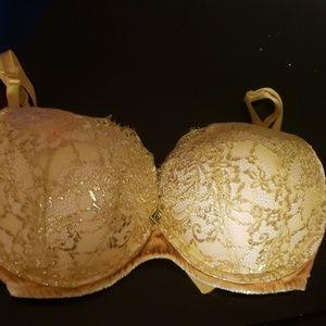 32DDD Victoria Secret's Push-Up Bra